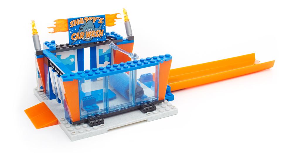 Bricker - Construction Toy by MEGABLOKS CNF44 Car Wash Attack™