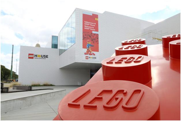 Сувенирные минифигурки LEGO House (Часть 2)