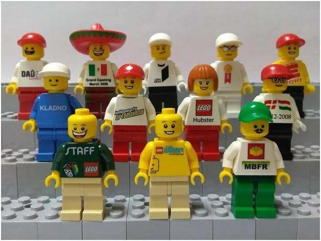 Сувенирные минифигурки LEGO как объект коллекционирования.