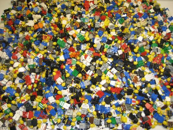 Опыт классификации сувенирных минифигурок LEGO