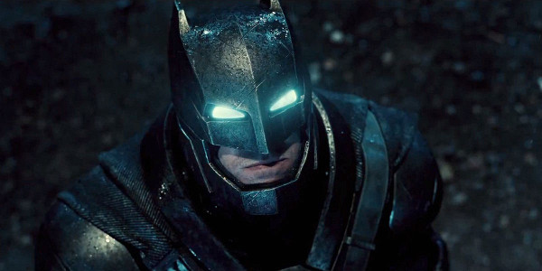 //st.bricker.ru/images/uploads/thumbs/optim/1/posts/Batman-V-Superman-Armored-Batsuit-Costume-Comic-Con.jpg