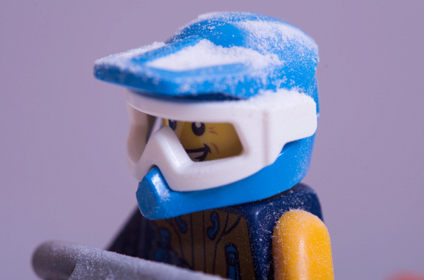 LEGO Set 60191 review - Artic Exploration team in snow