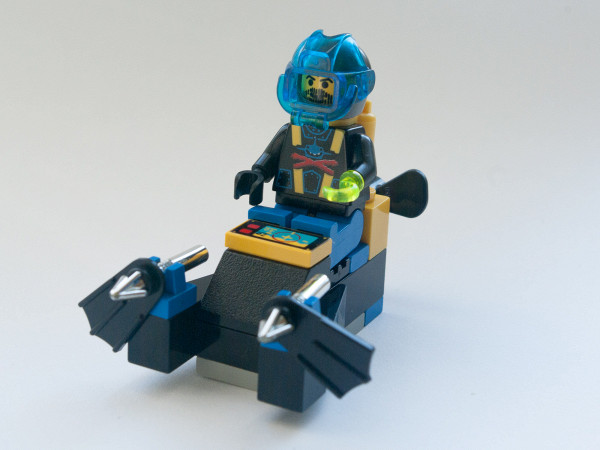 //st.bricker.ru/images/uploads/thumbs/optim/1/posts/LEGO_6100-18.jpg